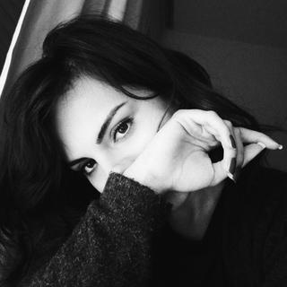 femme qui dort profile picture