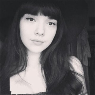 Marianne poză de profil