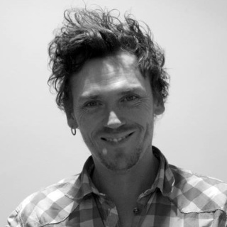gambar profil Huey McEvoy