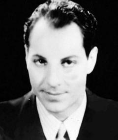 Photo of Zeppo Marx