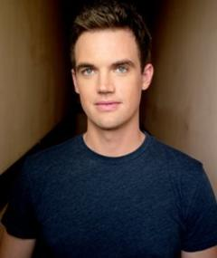 Photo of Tyler Hilton