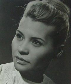Photo of Teri Horváth
