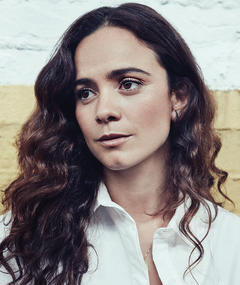 Photo of Alice Braga