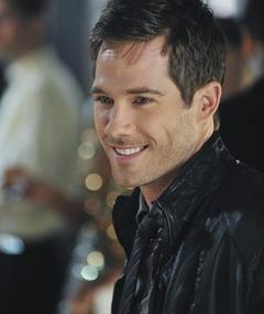 Photo of Luke Macfarlane