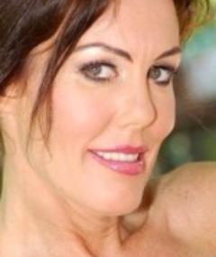 Photo of Nancy Vee