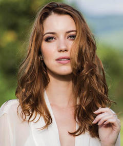 Photo of Nathalia Dill