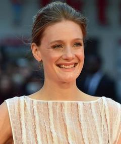 Photo de Romola Garai