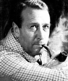 Georges Simenon adlı kişinin fotoğrafı