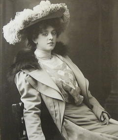 Photo of Jobyna Howland