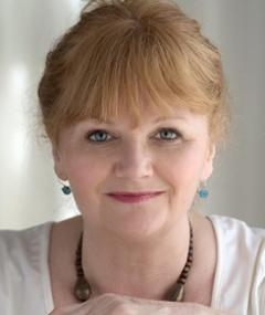 Photo of Lesley Nicol