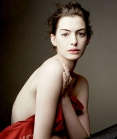 Photo of Anne Hathaway