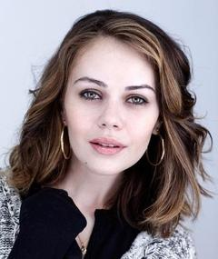 Photo of Alexis Dziena