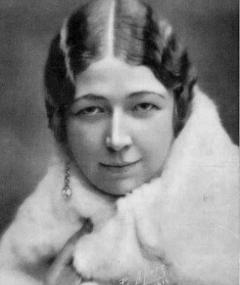 Photo of Esther Dale