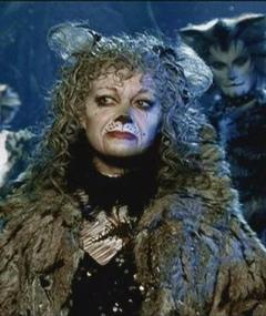 Photo of Elaine Paige