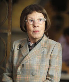 Photo of Linda Hunt