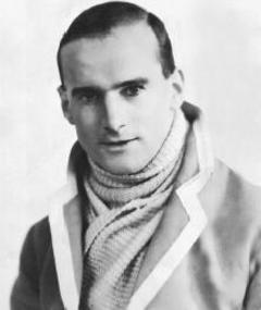R.C. Sherriff का फोटो