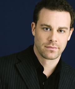 Photo of Matthew Rauch