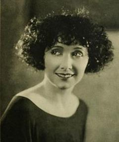 Photo of Mae Busch