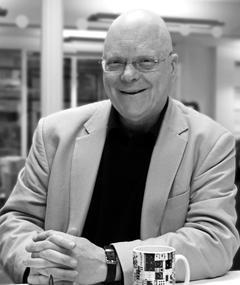 John Altman का फोटो