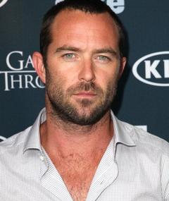 Photo of Sullivan Stapleton