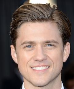 Photo of Aaron Tveit