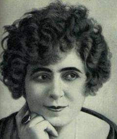 Photo of Renée Carl