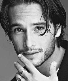 Photo of Rodrigo Santoro