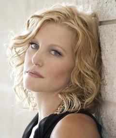 Photo of Anna Gunn