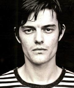 Foto av Sam Riley