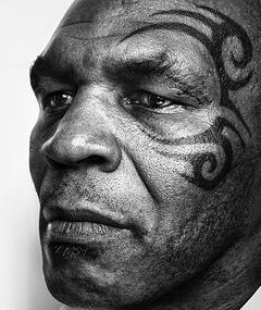 Poza lui Mike Tyson
