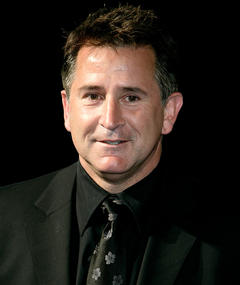 Photo of Anthony LaPaglia