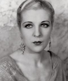 Photo of Natalie Moorhead