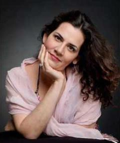 Photo of Pamela Flores