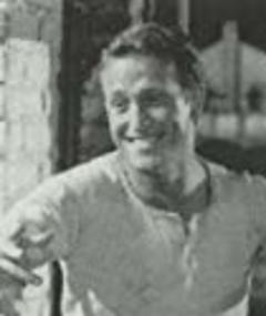 Photo of Enrique Ávila
