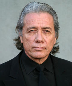 Edward James Olmos এর ছবি