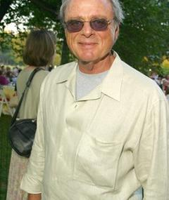 Photo of Harris Yulin