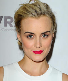 Photo of Taylor Schilling