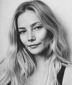 Photo of Clara Paget