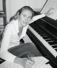 Hélène Blazy এর ছবি
