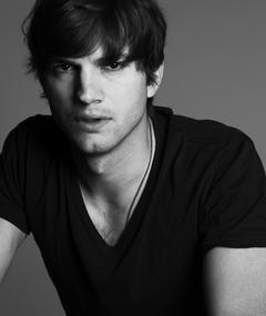 Ashton Kutcher का फोटो