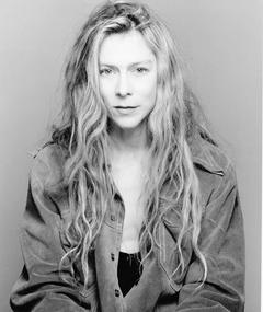 Photo of Louise LeCavalier