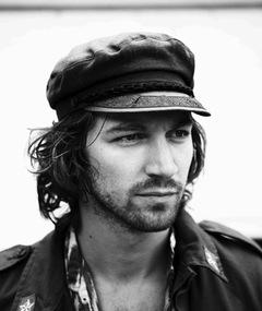 Photo of Michiel Huisman