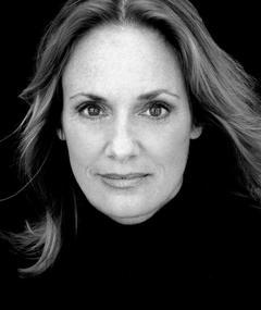 Photo of Lisa Emery