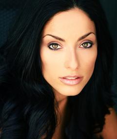 Erica Cerra का फोटो