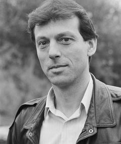 Photo of Leslie Grantham
