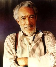 Anthony Quinn এর ছবি