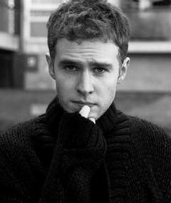 Photo of Iain De Caestecker