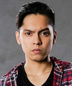 Photo of Carlo Aquino
