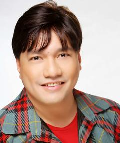 Photo of Wenn V. Deramas