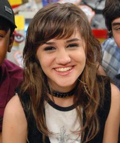 Photo of Isabela Guasco